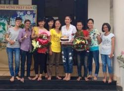 Sinh nhật giản dị đến khó tin của Người đẹp Tây Đô Việt Trinh