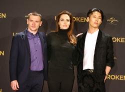 Angelina Jolie rạng rỡ tại họp báo 'Unbroken' ở Berlin