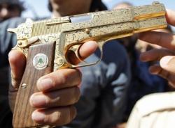 Những khẩu súng dát vàng, nạm kim cương của các tên trùm ma túy nổi danh thế giới