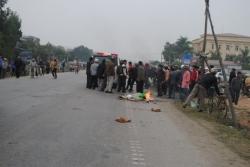 Hiện trường vụ container va chạm xe khách, 4 người chết