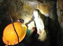 Sập hầm thủy điện Đạ Dâng: Đưa sắt, thép vào bên trong gia cố hầm