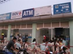 Chống tình trạng ATM hết tiền dịp Tết Nguyên đán Ất Mùi