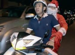 Sặc cười với clip 'FA đón Noel như thế nào?'