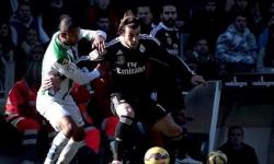 Ronaldo bị thẻ đỏ, Bale cứu Real Madrid