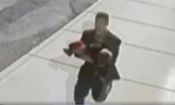 Clip: Bé gái 8 tuổi đuổi theo kẻ bắt cóc để cứu em