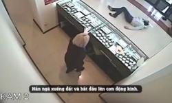 Đi ăn cướp gặp ngay nhà vô địch Taekwondo