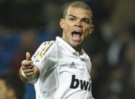 Pepe lên tiếng xin lỗi Messi
