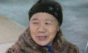 Nụ cười bí ẩn 'chết người' của bà trùm 'súng đạn' Tây Bắc