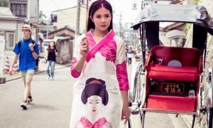 Ngọc Hân duyên dáng trong tà áo dài ở Nhật Bản