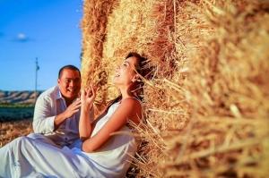 Vợ chồng Thúy Hạnh quay trở về thời 'cưa cẩm' nhau