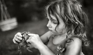 'Chạm' vào từng khoảnh khắc khi con lớn khôn