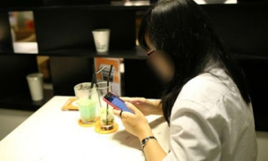 Chê bạn trai 'quê mùa' vì đi xe số, cô gái bị bỏ rơi tại quán cà phê trong lần đầu hẹn hò