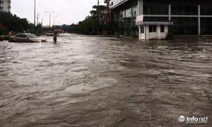 Thái Nguyên: Công bố tình trạng khẩn cấp, nhiều nơi ngập trong biển nước