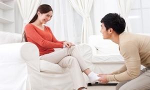 Ở nhà 24/7 làm vợ tốt: Phụ nữ đang tự hạ thấp mình trong mắt của chồng