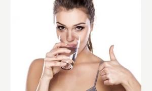 Chỉ cần uống nước theo cách này cân nặng giảm nhanh chóng mặt, da đẹp dáng xinh