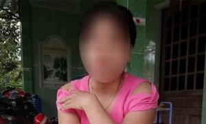 Mẹ cháu bé bị bà ngoại siết cổ chết: 'Tôi không dám hỏi nguyên nhân'