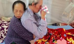 'Cái ôm chặt sau 60 năm chung sống' là hình ảnh xúc động nhất trên Facebook những ngày qua