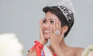 Tân Hoa hậu H'Hen Niê mở lại facebook sau 1 tuần tuyên bố hạn chế dùng mạng xã hội