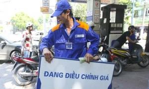 Người dân chú ý: Xăng có thể tăng giá rất mạnh vào chiều nay