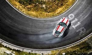 Porsche 911: Quái thú khó chế ngự với động cơ đặt sau