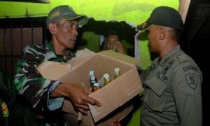 Indonesia: Hơn 60 người thiệt mạng vì ngộ độc rượu giả