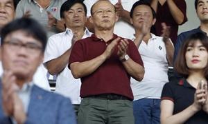 HLV Park Hang Seo: Trở lại Việt Nam thôi, V-League cần ông!