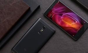 Top smartphone giá rẻ, cấu hình 'khủng' có thời lượng pin tính bằng ngày