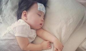 Sai lầm hay gặp của phụ huynh khi hạ sốt cho trẻ khiến bệnh càng thêm nặng