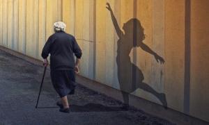 Tuổi trẻ thường bỏ qua 5 điều xương máu này, về già hối hận thì đã quá muộn màng