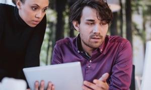 10 điều tối kỵ cần tránh nói với sếp nơi đông người