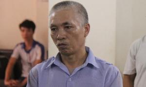 Gã đàn ông giết em họ, đốt xác phi tang đêm 30 Tết ra tòa không nhớ rõ năm sinh