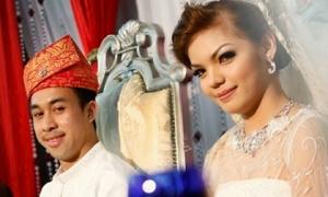 Cô vợ 'siêu tiền đạo' Malaysia từng chửi mắng bảo vệ có quá khứ bất hảo