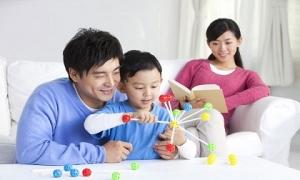 Điều cha dạy con trai sẽ tốt hơn rất nhiều vì thế mẹ hãy để bố nhé