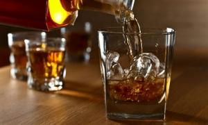 Thực phẩm 'đại kỵ' thành 'thuốc độc' khi dùng chung với rượu