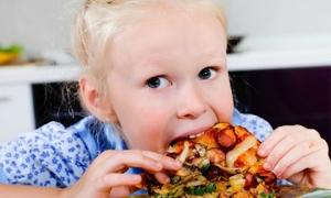 3 đồ ăn vặt này được đưa vào danh sách 'đen', tuyệt đối không cho trẻ em