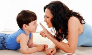 8 câu cha mẹ thường xuyên nói sẽ làm thay đổi cuộc đời trẻ