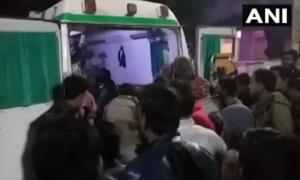 Xe tải lao tốc độ cao vào đám rước dâu, 13 người tử vong