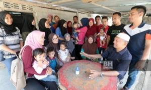 Choáng váng cụ ông 72 tuổi lấy 19 người vợ, có 46 đứa con và 200 cháu
