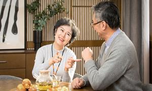 Con người đến tuổi trung niên: Hãy sống cho chính mình, đừng để trái tim mệt mỏi