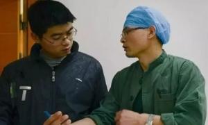 Người đàn ông trẻ bị ung thư gan, bác sĩ khuyến cáo 3 thói quen cực hại