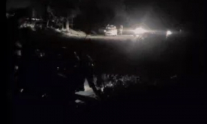 Vụ cứa cổ tài xế taxi Vinasun: Hàng trăm người bao vây, truy tìm hung thủ suốt đêm