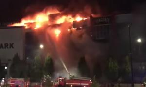 Trung tâm thương mại lớn nhất Chechnya cháy kinh hoàng