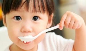 3 thực phẩm giúp tăng cường sức đề kháng cho trẻ khi giao mùa