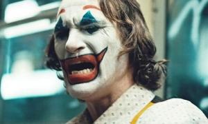 Cười không thể kiểm soát được, Joker thực ra mắc hội chứng bệnh đáng sợ này