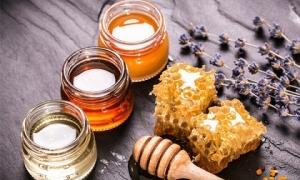 Đây là lí do ai cũng nên uống mật ong đều đặn mỗi ngày, đặc biệt nhất là số 1