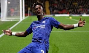 Abraham và Pulisic tỏa sáng, Chelsea đánh chiếm vị trí thứ 3 của Leicester