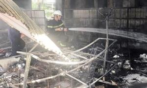 24 cảnh sát cứu hỏa dập lửa trong căn nhà 3 tầng