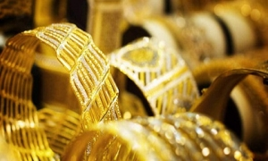 Giá vàng hôm nay 10/1: Vàng 9999, vàng SJC giảm thêm nửa triệu/lượng