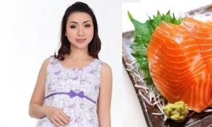 Mẹ bầu thường xuyên ăn cá hồi giúp ngăn ngừa dị tật thai nhi, bé sinh ra thông mình hơn