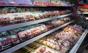 Giá thịt lợn trong nước cao ngất ngưởng, có khuất tất trong việc nhập khẩu?